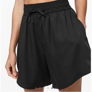 NWT Lululemon Feeling Femme Shorts